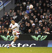 Twickenham, GREAT BRITAIN, Delon ARMITAGE, kicking a second half penalty during the Investic Challenge, England vs New Zealand, Autumn International at Twickenham Stadium, Surrey on Sat 29.11.2008 [Photo, Peter Spurrier/Intersport-images]