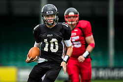 Kent Exiles quarter back in action - Mandatory by-line: Jason Brown/JMP - 27/08/2016 - AMERICAN FOOTBALL - Sixways Stadium - Worcester, England - Kent Exiles v East Kilbride Pirates - BAFA Britbowl Finals Day