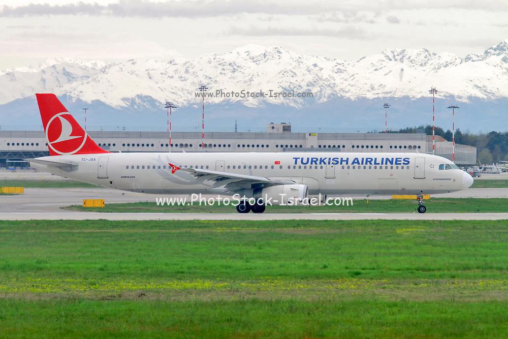 Turkish Airlines Airbus A321-200 (TC-JSA) at Milan - Malpensa (MXP / LIMC) Italy