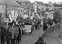 Protests in Ballyporeen opposing the visit of President Reagan, 03/06/1984. (Part of the Independent Newspapers Ireland/NLI Collection).