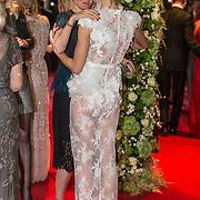 NLD/Amsterdam/20171012 - Televizier-Ring Gala 2017, Doorzichtige jurk van Nicolette Kluijver