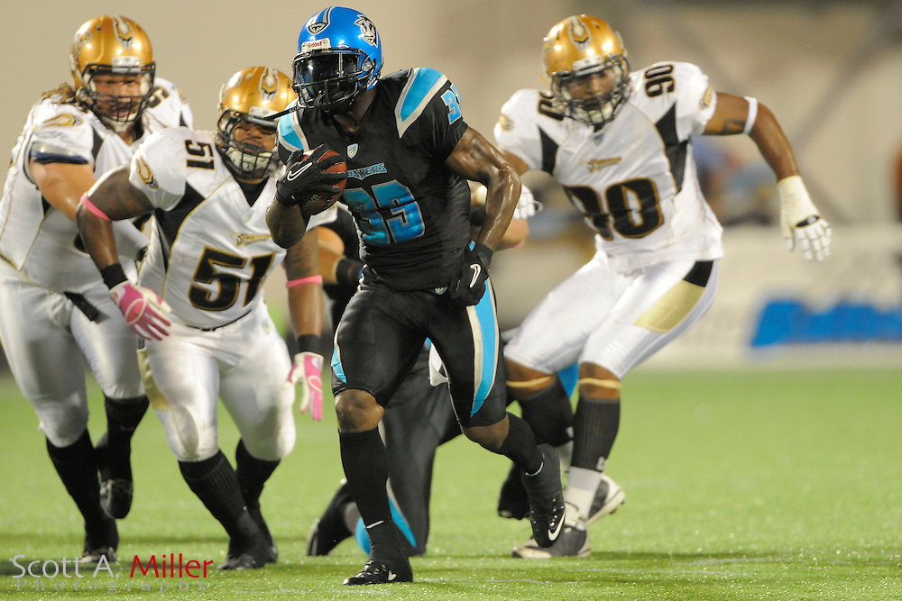 Oct 21, 2010; Orlando, Fla.:  Florida Tuskers running back Dominic Rhodes (33) during the Tuskers game against the Sacramento Mountain Lions at the Citrus Bowl. Sacramento won 21-17....©2010 Scott A. Miller