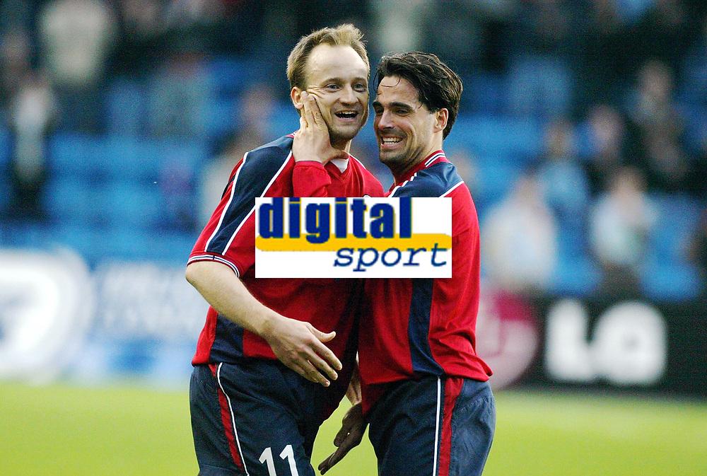 Fotball, 28. april 2004, Privatlandskamp, Norge-Russland, Martin Andresen og Sigurd Rushfeldt, Norge etter 2-0