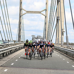 16-04-2016: Wielrennen: IJsseldelta Topcompetitie vrouwen: Zwolle<br />ZWOLLE (NED) wielrennen <br />Wind was in deze editie de grootste tegenstanders van de vrouwen.