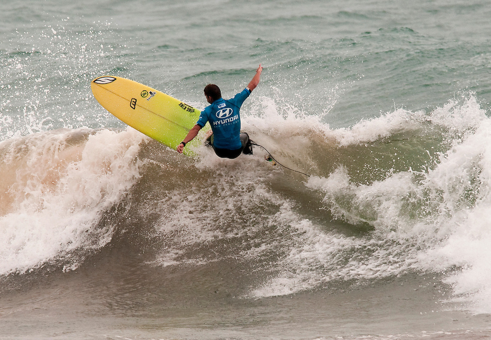 National longboard champion Thomas Kibblewhite, Red Beach, surfing to 3rd in the ASP world qualifying Hyundai Longboard competition at Sandy Bay, Northland, New Zealand, Monday February 6, 2012. Credit:SNPA / Malcolm Pullman