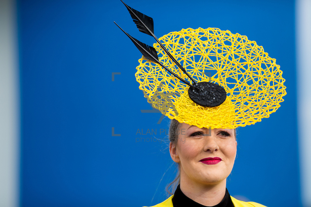 09.10.2016           <br /> Attending the Keanes Jewellers Best dressed competition at Limerick Racecourse was Katie Togher, Erris Co. Mayo. Picture: Alan Place