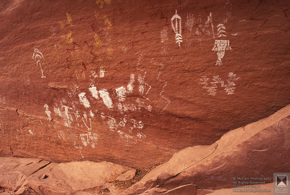 Anasazi pictographs, Mystery Valley, Monument Valley, Navajo Tribal Park, Arizona..Subject photograph(s) are copyright Edward McCain. All rights are reserved except those specifically granted by Edward McCain in writing prior to publication...McCain Photography.211 S 4th Avenue.Tucson, AZ 85701-2103.(520) 623-1998.mobile: (520) 990-0999.fax: (520) 623-1190.http://www.mccainphoto.com.edward@mccainphoto.com