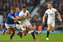 November 25, 2017 - London, England, United Kingdom - Takes two to tackle, England's Henry Slade during Old Mutual Wealth Series between England against Samoa at Twickenham stadium , London on 25 Nov 2017  (Credit Image: © Kieran Galvin/NurPhoto via ZUMA Press)