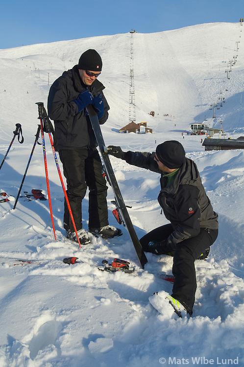 Skiðamenn í Bláfjöll, Kópavogur /  Skiers in Blafjoll. Kopavogur