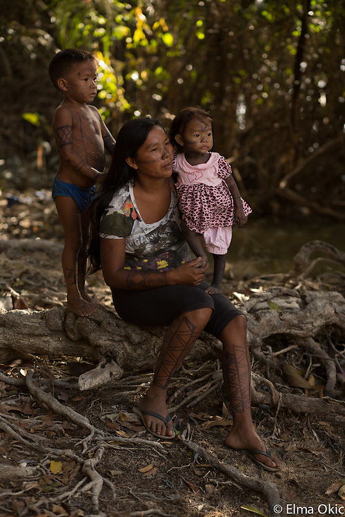 Village life at Sawre Muybu, a Munduruku indigenous community on the Tapajos River, Para, Brazil.