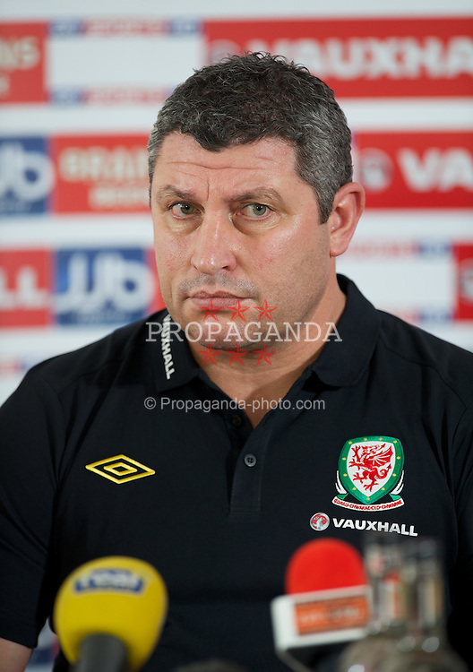 CARDIFF, WALES - Monday, February 27, 2012: Wales' coach Osian Roberts at a press conference ahead of the friendly match against Costa Rica. (Pic by David Rawcliffe/Propaganda)