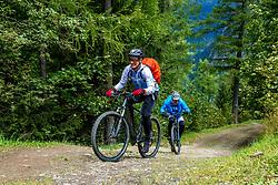13-09-2017 SUI: BvdGF Tour du Mont Blanc day 5, Champex<br /> Deze etappe wordt volledig in Zwitserland verreden en bevat enkele mooie trails. We eindigen bergop waar er in Champex werd overnacht. Eelco
