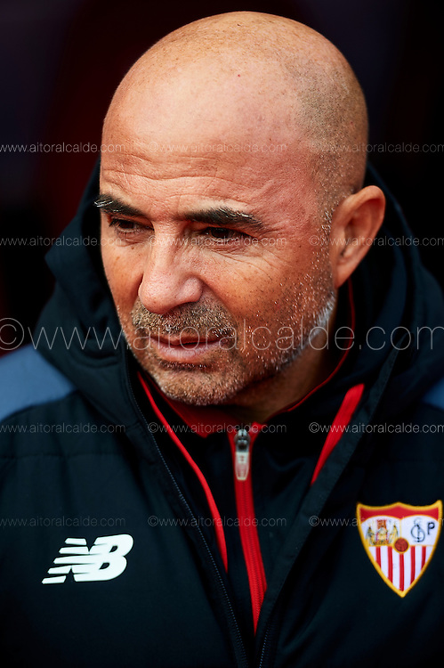 GRANADA, SPAIN - DECEMBER 03:  Head Coach of Sevilla FC Jorge Sampaoli looks on during the La Liga match between Granada CF and Sevilla FC at Estadio Nuevos Los Carmenes on December 03, 2016 in Granada, Spain.  (Photo by Aitor Alcalde Colomer/Getty Images)