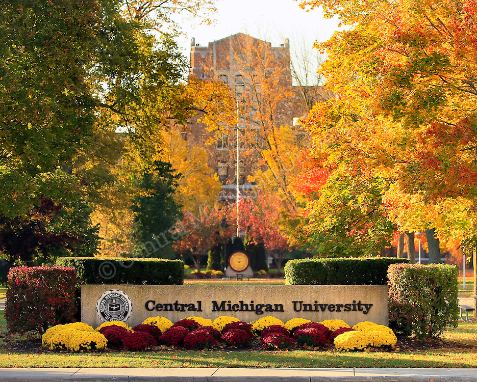 Fall scenics at Central Michigan University. Photo by Steve Jessmore/Central Michigan University