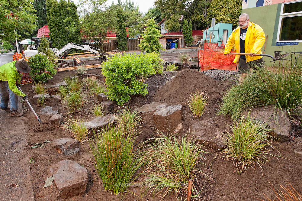 Josh Lighthipe and Paul Leistner volunteer at the rain garden work meet, Café au Play at Tabor Commons, a project of the Southeast Uplift Neighborhood Coalition (SEUL) and volunteers from Portland's Mt Tabor neighborhood.