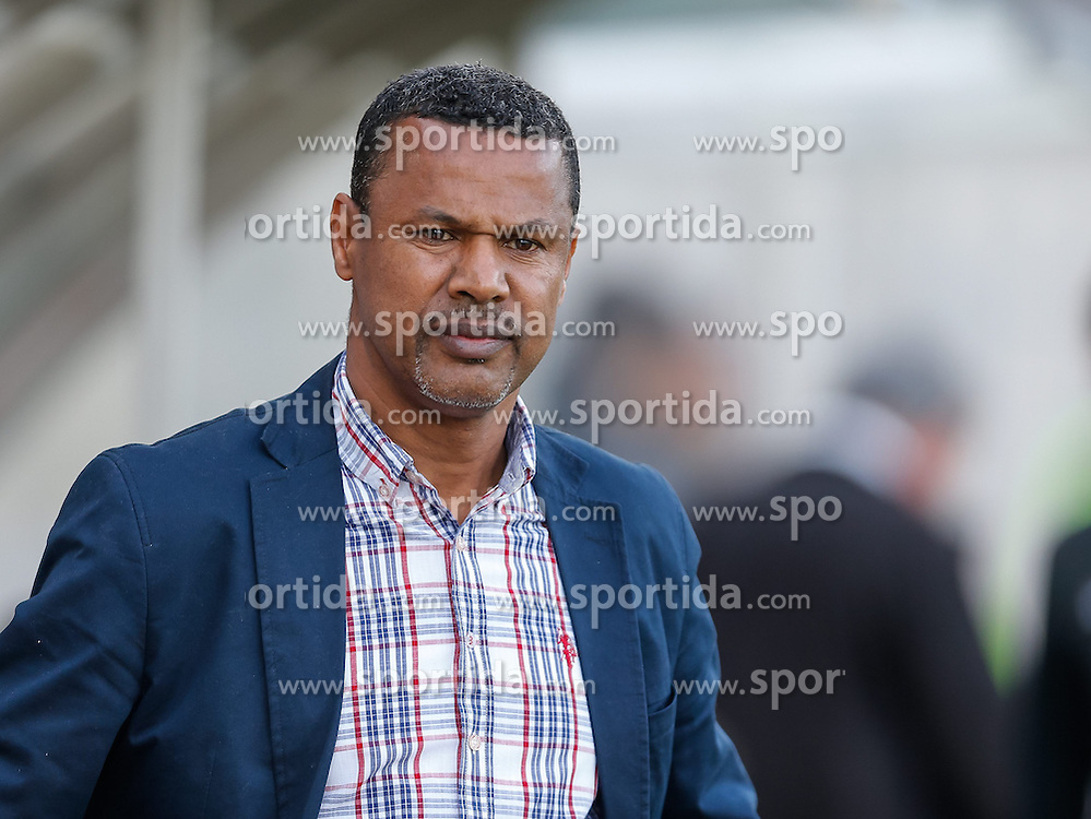 10.04.2015, Reichshofstadion, Lustenau, AUT, 2. FBL, SC Austria Lustenau vs KSV 1919 27. Runde, im Bild Lassaad Chabbi, (SC Austria Lustenau Trainer)// during Austrian Second Bundesliga Football Match, 27th round, between SC Austria Lustenau vs KSV 1919 at the Reichshofstadion, Lustenau, Austria on 2015/04/10. EXPA Pictures © 2015, PhotoCredit: EXPA/ Peter Rinderer