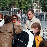 Boekpresentatie Broodje Halfom Bart Chabot, Maarten Spanjer en vriendin Henny van de Bor