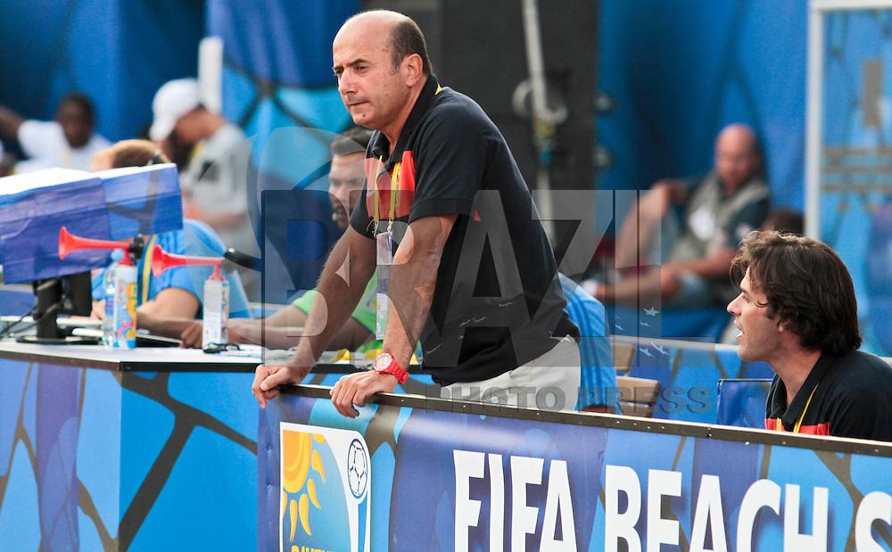 RAVENNA, ITALIA, 08 DE SETEMBRO DE 2011 - COPA DO MUNDO DE BEACH SOCCER - <br /> <br /> PORTUGAL X SENEGAL-  Ze Miguel Mateus tecnico do Portugal durante de partida contra a Senegal, v&aacute;lida <br /> <br /> pelas quartas de final da Copa do Mundo de Beach Soccer, no Est&aacute;dio Del Mare, em <br /> <br /> Ravenna, It&aacute;lia, nesta quinta-feira (8). FOTO: VANESSA CARVALHO - NEWS FREE