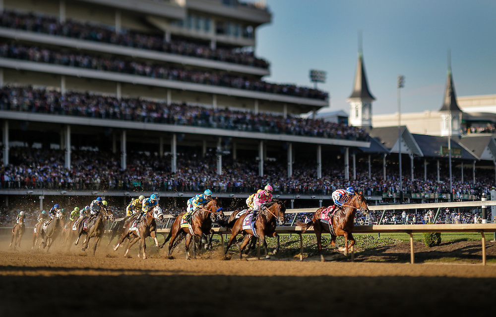 MAY 02, 2015: The field on the first turn during Kentucky Derby at Churchill Downs in Louisville, Kentucky. Jon Durr/ESW/CSW