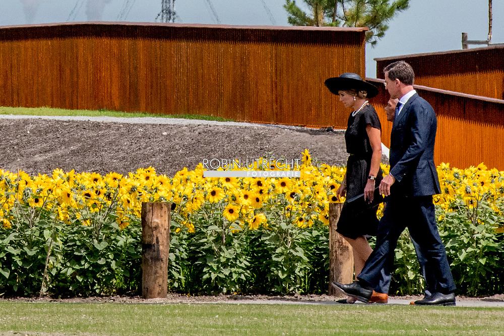 17-7-2017 VIJFHUIZEN - King Willem-Alexander and Queen Maxima are in favor of the commissioning of the National Monument MH17. Copyrght robin utrecht<br /> Maandag 17 juli 2017 is het precies drie jaar geleden dat vlucht MH17 werd neergehaald boven Oekra&iuml;ne. Aan boord zaten bijna driehonderd passagiers en bemanningsleden, onder wie 196 Nederlanders. <br /> 17-7-2017 VIJFHUIZEN -  Koning Willem-Alexander en koningin Maxima komen aan voor de ingebruikname van het Nationaal Monument MH17. copyrght robin utrecht