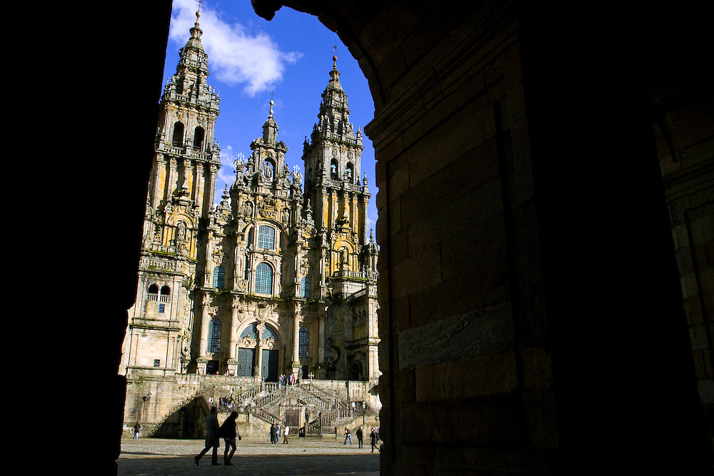 (Santiago de Compostela, Spain - February 20, 2010) - Santiago de Compostela on a Saturday afternoon. Photo by Will Nunnally / Will Nunnally Photography