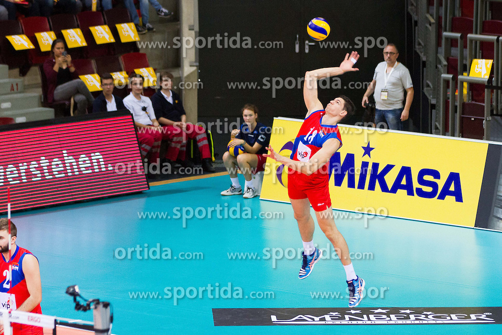 25.09.2015, MHP Aren, Ludwigsburg, GER, Volleyball Vier Nationen Turnier, Slowenien vs Serbien, im Bild Aufschlag Marko Podrascanin #18 (Serbien/Serbia) // during the match between Slovenia and Serbia of the Volleyball four Nations Tournament at the MHP Aren in Ludwigsburg, Germany on 2015/09/25. EXPA Pictures &copy; 2015, PhotoCredit: EXPA/ Eibner-Pressefoto/ Wuechner<br /> <br /> *****ATTENTION - OUT of GER*****