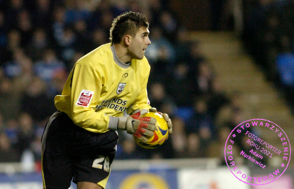 Photo: Leigh Quinnell..Reading v Southampton. Coca Cola Championship. 10/02/2006. Bartosz Bialkowski stops a shot for Southampton.
