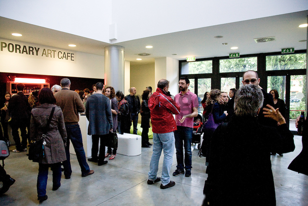 """Marco Mazzoni """"E' un miracolo"""" exhibition at EX3 Center for contemporary art in Florence - opening"""