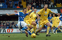 Photo: Ashley Pickering.<br />Ipswich Town v Sheffield Wednesday. Coca Cola Championship. 11/11/2006.<br />Ipswich's Mark Noble fires in a shot