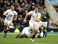 © SPORTZPICS / Seconds Left Images 2010 - Ben Foden races clear to score England's only try -  England v South Africa  - Investec Challenge Series - 27/11/20110 - Twickenham Stadium  - London - All rights reserved.