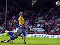 Photo: Charlie Crowhurst.<br />Brentford v Nottingham Forest. Coca Cola League 1. 14/04/2007.  Kris Commons scores his second goal and Forest's fourth.