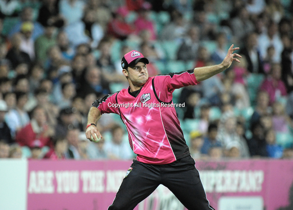 27.12.2011 Sydney, Australia.Sydney Sixers English batsman Michael Lumb  in action during the KFC T20 Big Bash League game between the Sydney Sixers  and the Melbourne Stars at the Sydney Cricket Ground.