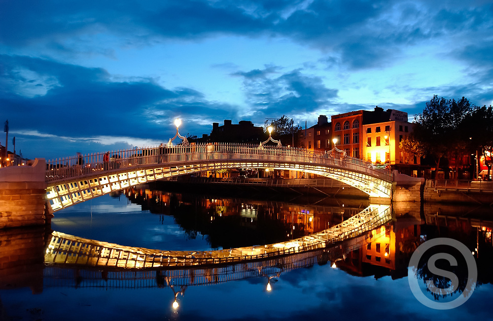 Photographer: Chris Hill, Ha'penny Bridge, Dublin