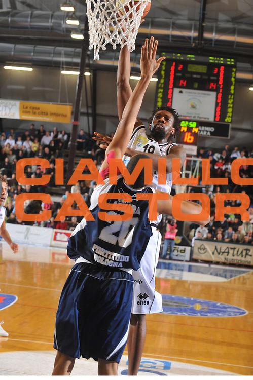 DESCRIZIONE : Ferrara Lega A 2008-09 Carife Ferrara GMAC Fortitudo Bologna<br /> GIOCATORE : Ndudi Ebi<br /> SQUADRA : Carife Ferrara<br /> EVENTO : Campionato Lega A 2008-2009<br /> GARA : Carife Ferrara GMAC Fortitudo Bologna<br /> DATA : 21/03/2009<br /> CATEGORIA : Tiro<br /> SPORT : Pallacanestro<br /> AUTORE : Agenzia Ciamillo-Castoria/G.Gregolin<br /> Galleria : Lega Basket A1 2008-2009<br /> Fotonotizia : Ferrara Campionato Italiano Lega A 2008-2009 Carife Ferrara GMAC Fortitudo Bologna<br /> Predefinita :
