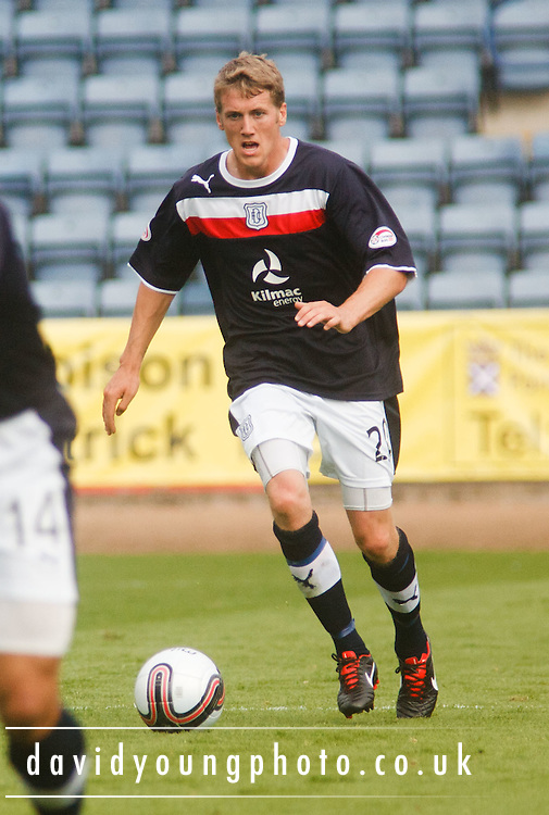 Dundee's Jim McAlister - Dundee v St Mirren, Clydesdale Bank Scottish Premier League at Rugby Park.. - © David Young - 5 Foundry Place - Monifieth - DD5 4BB - Telephone 07765 252616 - email: davidyoungphoto@gmail.com - web: www.davidyoungphoto.co.uk