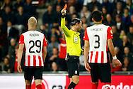 09-04-2016 VOETBAL:PSV:WILLEM II:EINDHOVEN<br /> Scheidsrechter Nijhuis geeft Santiago Arias van PSV (buiten beeld) de tweede gele kaart na een overtreding op Guus Joppen van Willem II <br /> Foto: Geert van Erven