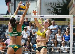 17-07-2014 NED: FIVB Grand Slam Beach Volleybal, Apeldoorn<br /> Poule fase groep G vrouwen - Agatha Bednarczuk (1) BRA, Julia Sude (2) GER