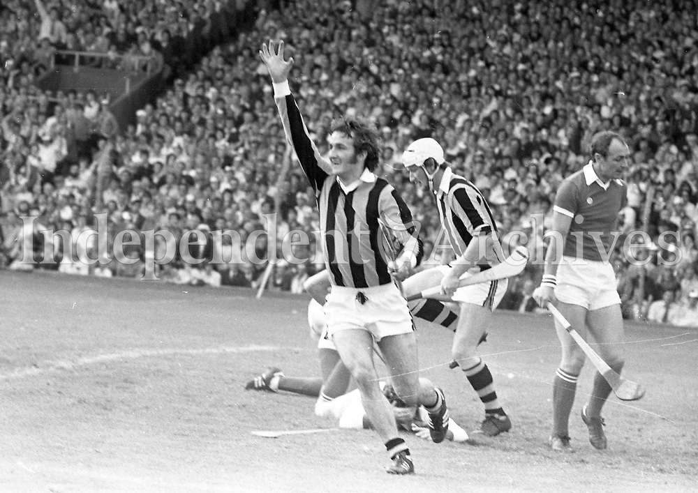 978-110<br /> Kevin Fennelly runs away jubilantly after their first goal.<br /> (Part of the Independent Newspapers Ireland/NLI collection.)