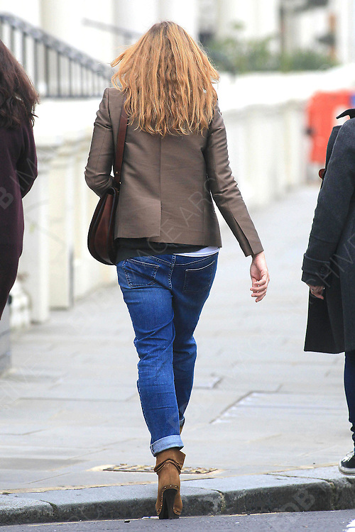 16.MARCH.2011. LONDON<br /> <br /> STELLA MCCARTNEY OUT AND ABOUT IN NOTTING HILL, LONDON<br /> <br /> BYLINE: EDBIMAGEARCHIVE.COM<br /> <br /> *THIS IMAGE IS STRICTLY FOR UK NEWSPAPERS AND MAGAZINES ONLY*<br /> *FOR WORLD WIDE SALES AND WEB USE PLEASE CONTACT EDBIMAGEARCHIVE - 0208 954 5968*