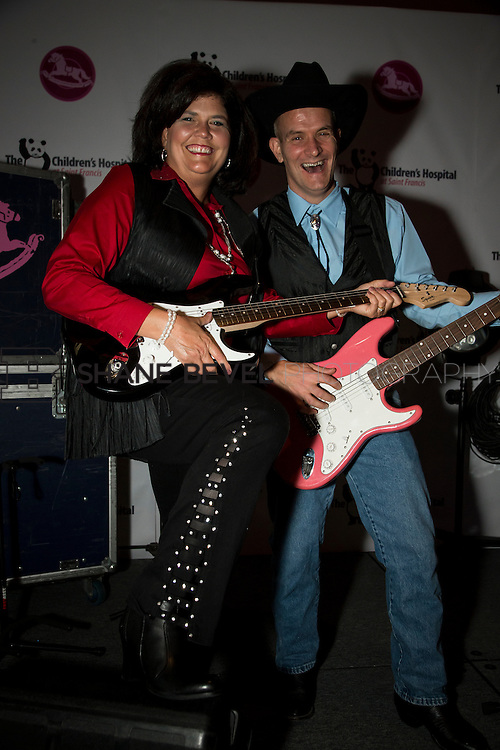 11/1/13 6:59:19 PM --- 2013 Painted Pony Ball for The Children's Hospital at Saint Francis with Chris Young and Dwight Yoakam. <br /> <br /> Photo by Shane Bevel