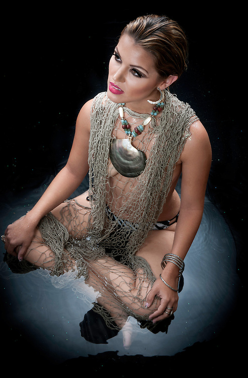 Photoshoot for Denis Elizabeth Jewelry with Maniqui Models. (2010)