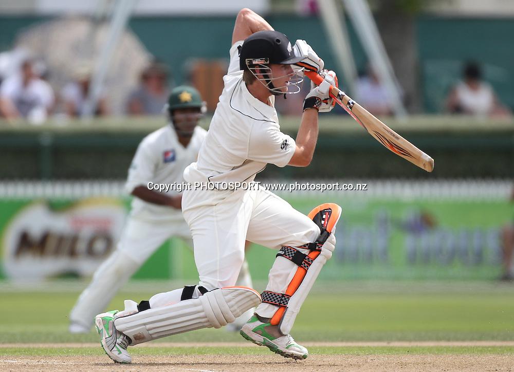 New Zealand batsman Kane Williamson in action batting. New Zealand Black Caps v Pakistan, Test Match Cricket. Day 1 at Seddon Park, Hamilton, New Zealand. Friday 7 January 2011. Photo: Andrew Cornaga/photosport.co.nz