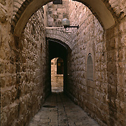 Israel, Jerusalem, Alley, Arch, A narrow lane in the Jewish Quarter of the Old City, Jerusalem, Israel.