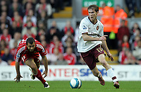 Photo: Paul Thomas.<br /> Liverpool v Arsenal. The FA Barclays Premiership. 28/10/2007.<br /> <br /> Alexander Helb goes past Javier Mascherano (L) of Liverpool.