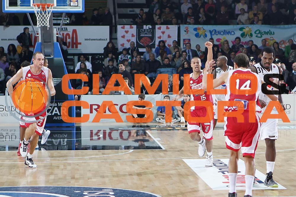 DESCRIZIONE : Caserta Lega A 2010-11 Pepsi Caserta Scavolini Siviglia Pesaro<br /> GIOCATORE : Daniel Hackett<br /> SQUADRA : Scavolini Siviglia Pesaro<br /> EVENTO : Campionato Lega A 2010-2011<br /> GARA : Pepsi Caserta Scavolini Siviglia Pesaro<br /> DATA : 31/10/2010<br /> CATEGORIA : esultanza<br /> SPORT : Pallacanestro<br /> AUTORE : Agenzia Ciamillo-Castoria/A.DeLise<br /> Galleria : Lega Basket A 2010-2011<br /> Fotonotizia : Caserta Lega A 2010-11 Pepsi Caserta Scavolini Siviglia Pesaro<br /> Predefinita :