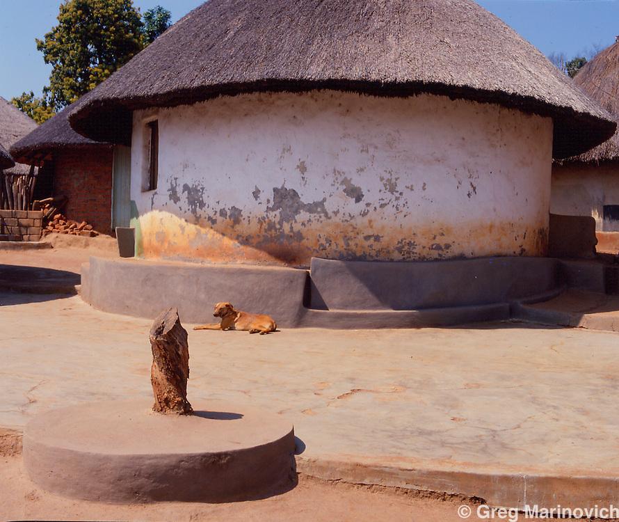 ancestral shrine, Modjajdi, 1990. Greg Marinovich