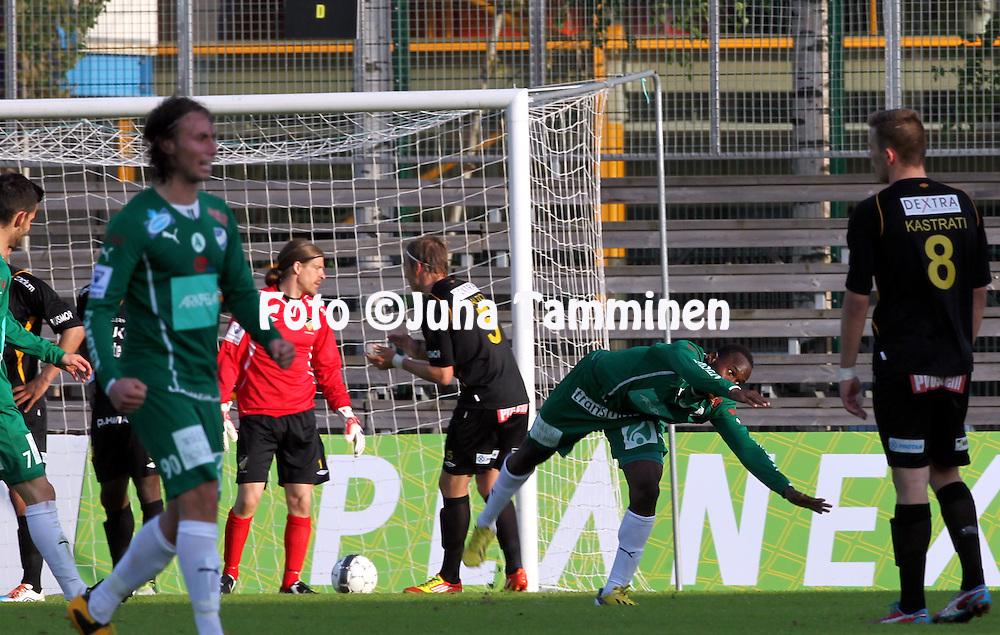 17.5.2013, Tapiolan Urheilupuisto, Espoo.<br /> Suomen Cup 2013, Puoliv&auml;lier&auml;: <br /> FC Honka - IFK Mariehamn <br /> Dever Orgill (IFK Mariehamn) tuulettaa voittomaalia.