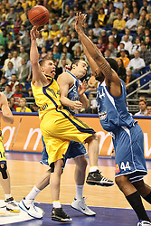 08.05.2010, o2-World Berlin, GER, Beko BBL, Playoffs Viertelfinale 1, Alba Berlin vs Deutsche Bank Skyliners Frankfurt im Bild Steffen Hamann (Alba Berlin #6) und Greg Jenkins (Deutsche Bank Skyliners Frankfurt #44)    EXPA Pictures © 2010, PhotoCredit: EXPA/ nph/  Hammes / SPORTIDA PHOTO AGENCY
