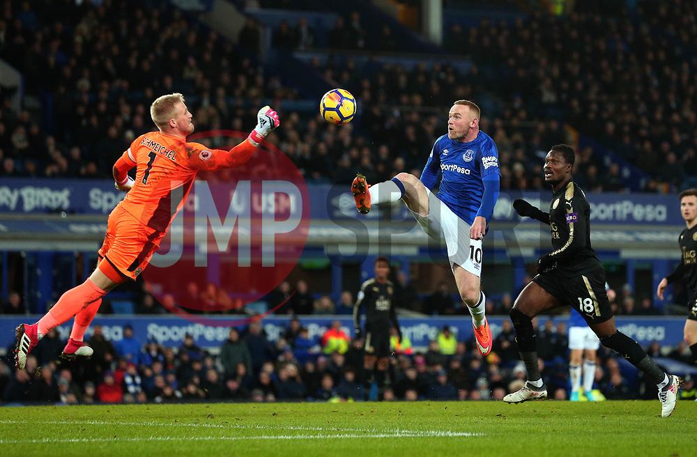 Wayne Rooney of Everton challenges Kasper Schmeichel of Leicester City - Mandatory by-line: Robbie Stephenson/JMP - 31/01/2018 - FOOTBALL - Goodison Park - Liverpool, England - Everton v Leicester City - Premier League