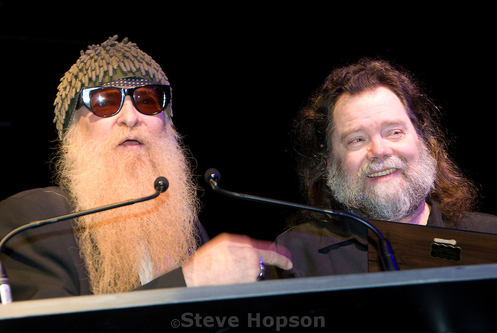 Billy Gibbons presenting the Musician of the Year award to Roky Erickson at the Austin Music Awards, March 12 2008.